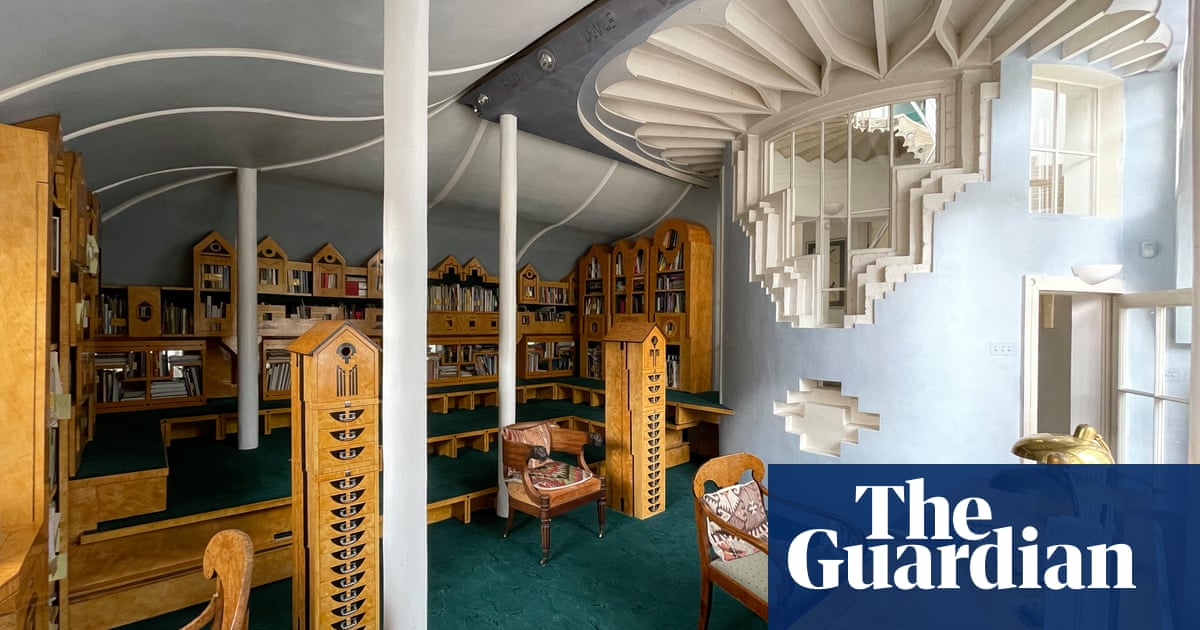 Is that a dishwasher or a Hindu temple? Inside kitsch pomo masterpiece Cosmic House