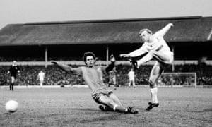 Steve Archibald in action for Tottenham against Hajduk Split in the second leg at White Hart Lane.