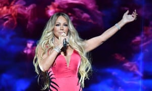 2018 American Music Awards - InsideLOS ANGELES, CA - OCTOBER 09: Mariah Carey performs onstage during the 2018 American Music Awards at Microsoft Theater on October 9, 2018 in Los Angeles, California. (Photo by Jeff Kravitz/AMA2018/FilmMagic For dcp ,)