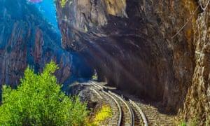 Odontotos giá đường sắt Diakopto