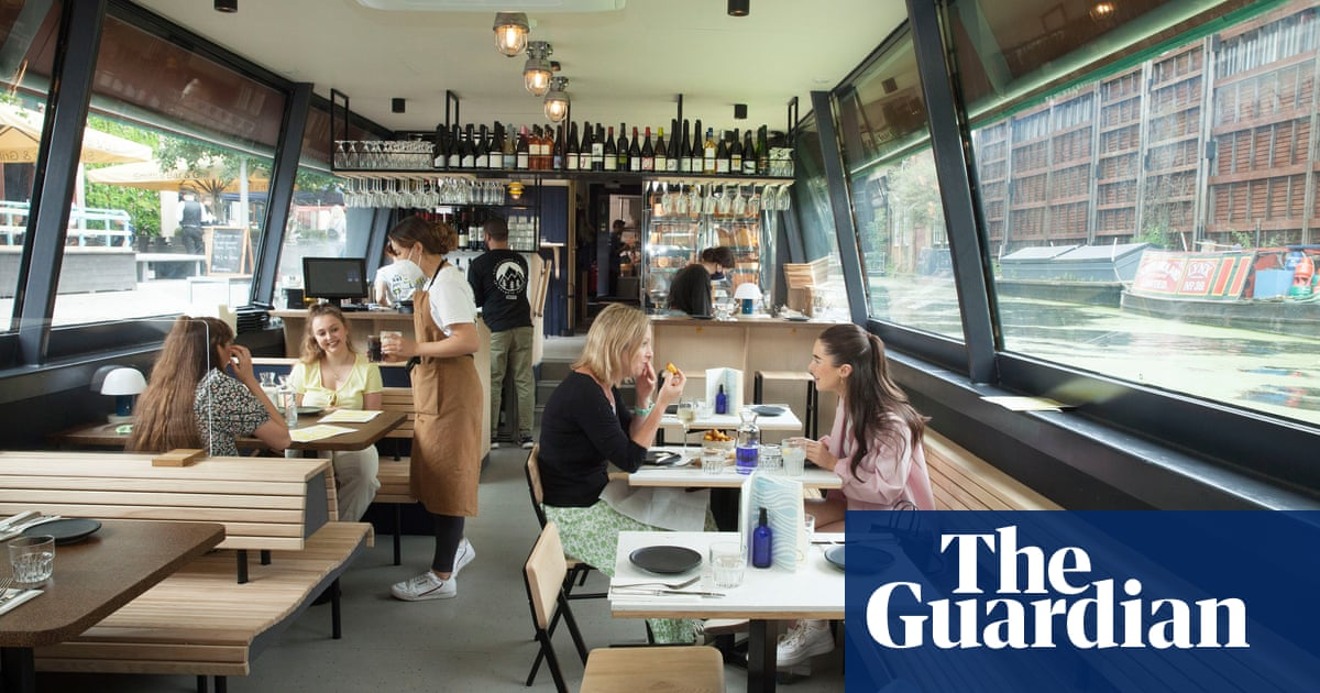The Cheese Barge, London W2: 'Delicious daftness – restaurant review