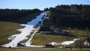 Baden-Wurttemberg, Germany. Artificial snow at the Schneeberglift in Titisee Neustadt. So far the lifts have hardly been in operation, because the weather has not played along for winter sports this season