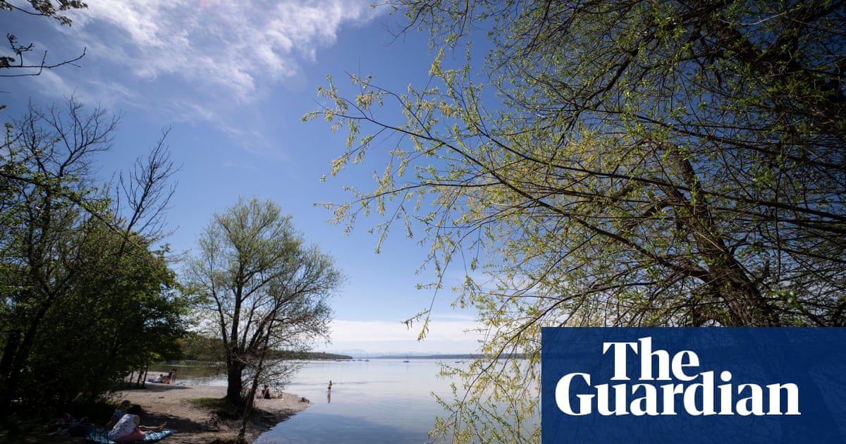 Climate crisis is suffocating the world's lakes, study finds