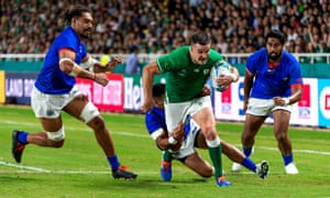 Ireland's Jonathan Sexton scores their fourth try against Samoa.