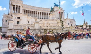 For Rome's horse-drawn carriages, the botticelle, it's business as usual despite politicians' promises of a ban.