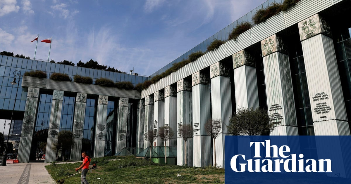 Poland backs down in row with EU over disciplining judges