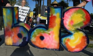 Protesters demonstrate on behalf of the BDS movement in California.