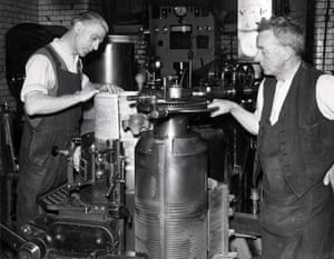 Manchester Guardian stereotypers, undated, circa 1940s. Before a stereotype plate could be cast each flong had to be carefully inspected for defects by an examiner. Flongs were then placed in casting boxes and molten metal was pumped in and set to create the curved stereotype plate. After casting, plates would go into a shaving machine to achieve the desired thickness to be used to print the newspaper.  (Archive ref: GUA/6/9/1/4/G box 3)