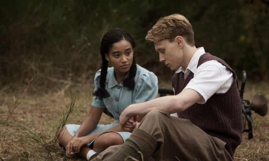 Actors Amandla Stenberg and George MacKay in the 2018 film Where Hands Touch