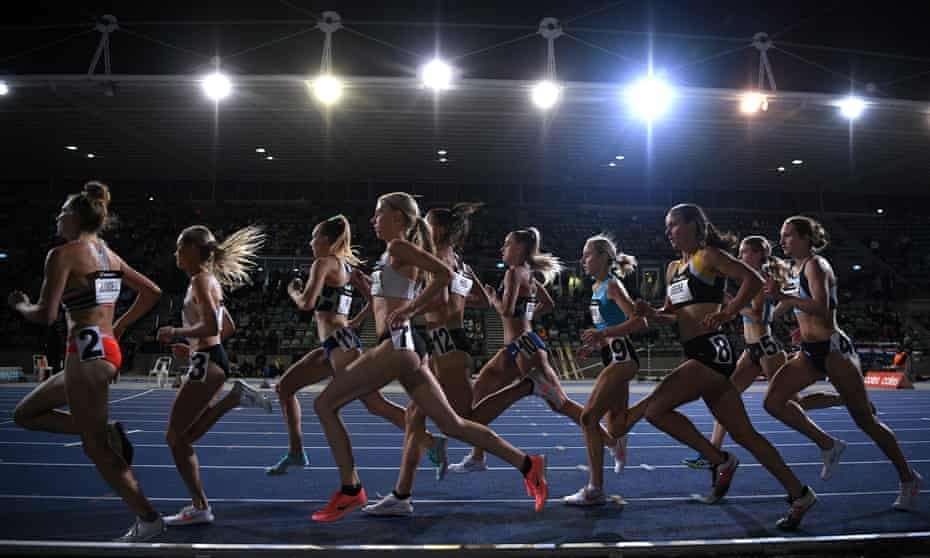 Runners in the womens 1500m final