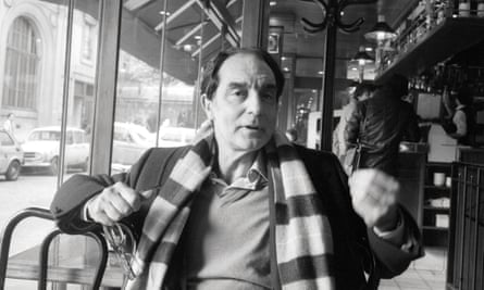 Italo Calvino in Paris cafe in 1981.