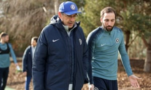 Maurizio Sarri, speaking with Gonzalo Higuaín before Chelsea training on Wednesaday, said his team played 'without soul' at Manchester City.