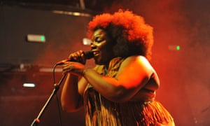 Yola Carter plays – and yodels – in London.
