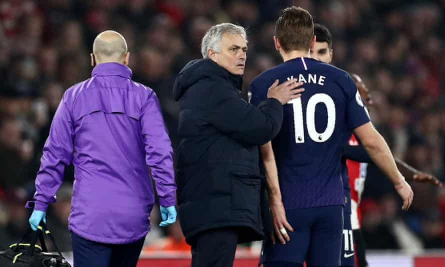 Harry Kane leaves the field with an injury and is tapped on the back by José Mourinho in Tottenham's defeat at Southampton on New Year's Day.