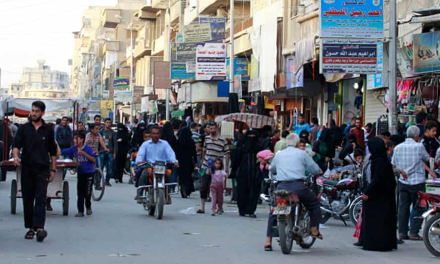 A street market in Raqqa, Syria