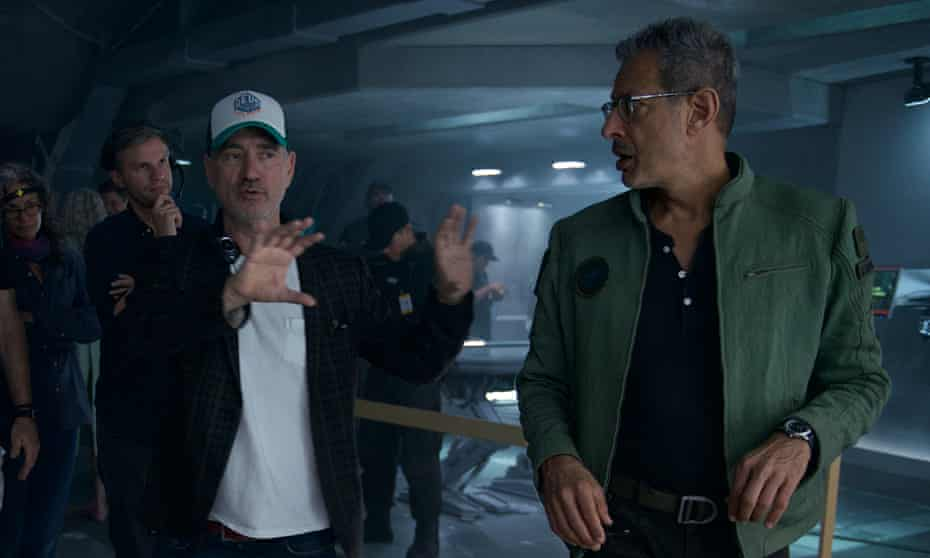 Emmerich on the set of Independence Day: Resurgence