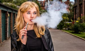 E-cigarettes do not lead to smoking tobacco in young people, according to the latest research.