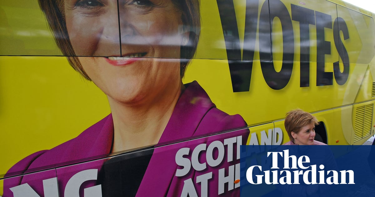 Police investigate SNP over independence campaign cash claims