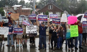 Supporters of Donald Trump protest as Clinton and Kaine arrive