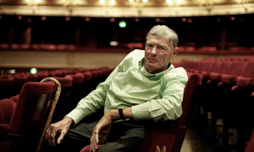 Jeffrey Tate was appointed principal conductor of the English Chamber Orchestra in 1985, recording cycles of late Haydn symphonies, Mozart symphonies and piano concertos.