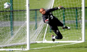 Darren Randolph is set to join West Ham after passing his medical.