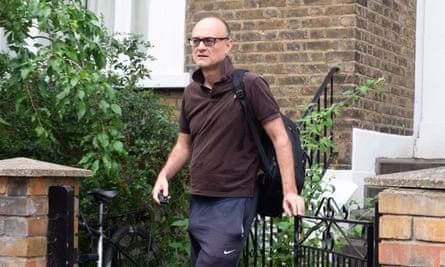 Dominic Cummings leaving his house
