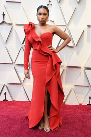 Jennifer Hudson proved the dancing-lady-emoji look was alive and well in a ruffled red Elie Saab couture dress ahead of her performance of I'll Fight. Quizzed on the red carpet, Hudson couldn't remember the jewellery she wore but her vintage pair of chandelier earrings from 1972 reportedly totalled 29.59 carats.