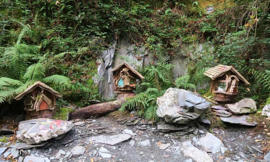 Casas de hadas a lo largo de Faerie Trail.