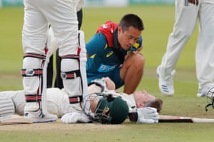 Steve Smith is injured by the bowling of Jofra Archer.