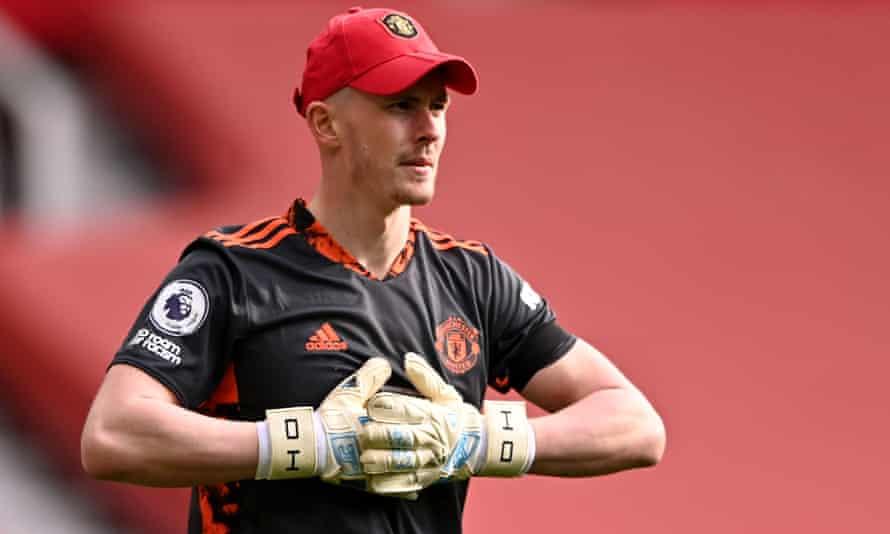 Manchester United's goalkeeper Dean Henderson