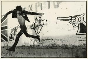 Volando bajo, 1989