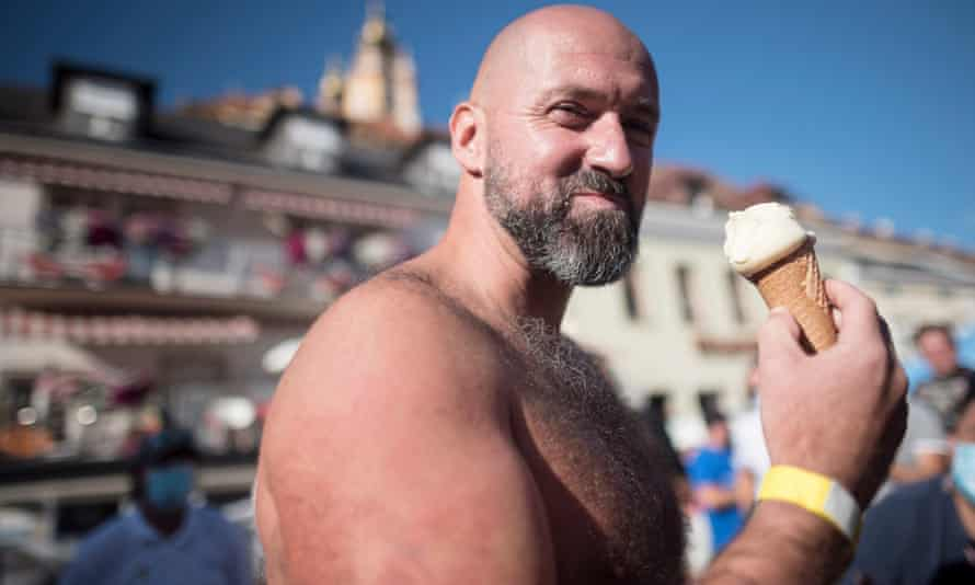 Koeberl enjoys an ice cream after setting the record