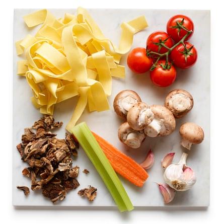 Felicity Cloake's mushroom Pasta 01
