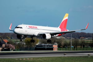 BELGIUM-AVIATION-AIRPORTAn Airbus A-320 of Iberia airline lands at Brussels Airport in Zaventem, outside Brussels, on March 12, 2020. (Photo by Kenzo TRIBOUILLARD / AFP) (Photo by KENZO TRIBOUILLARD/AFP via Getty Images)