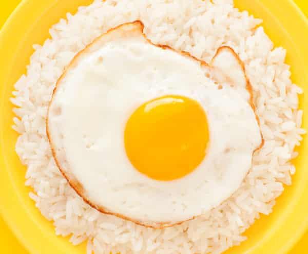 Crispy-bottomed fried egg on plain rice