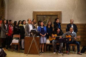 A mass in Tagalog, the main Filipino dialect, is celebrated at Sainte Bernadette Church in Auteuil, in the 16th arrondissement.