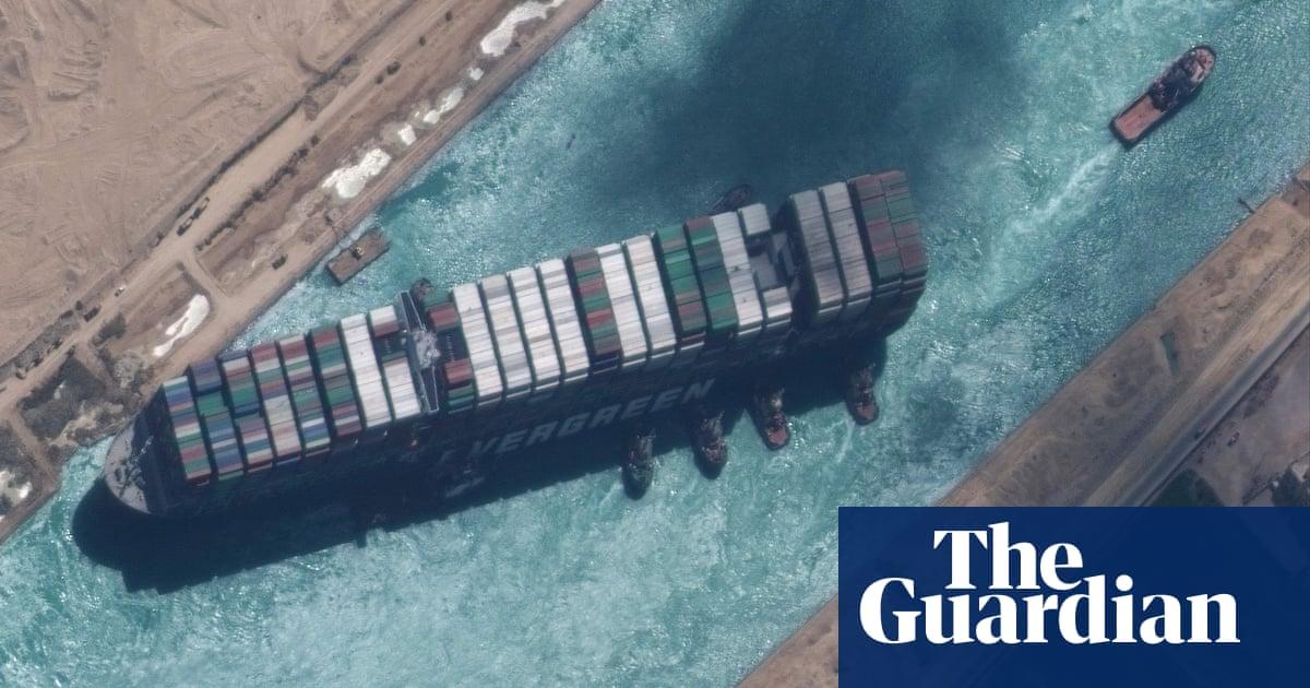 スエズ運河の船が解放され、検査のために湖に向かっている–ビデオ