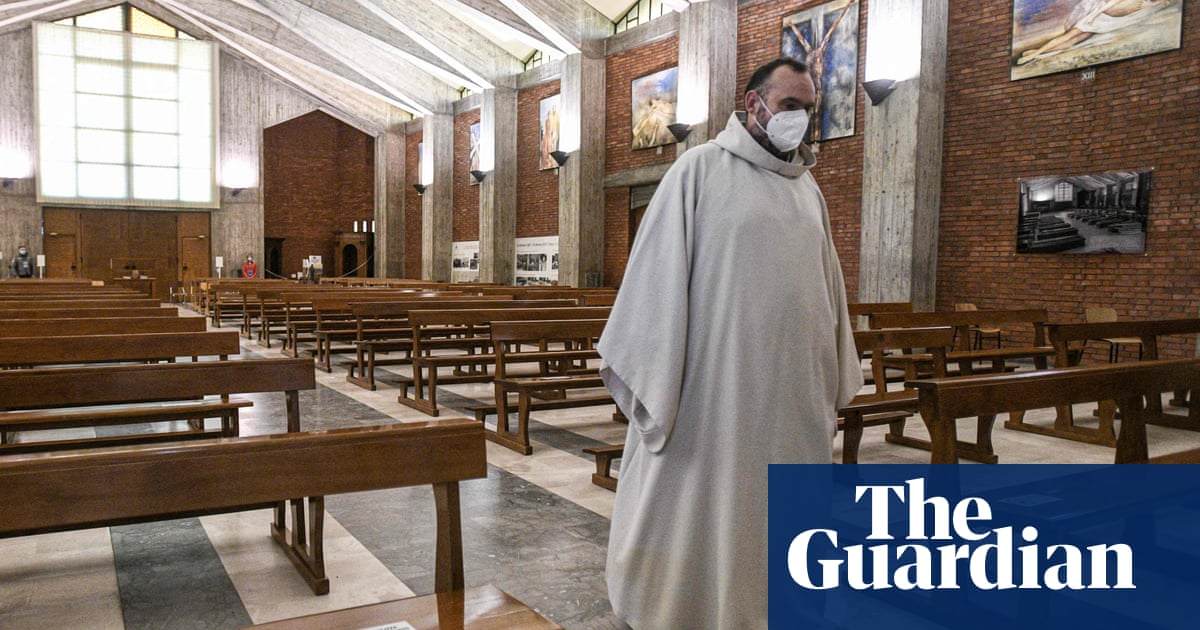 Calls grow to prioritise Italy's priests for Covid vaccination