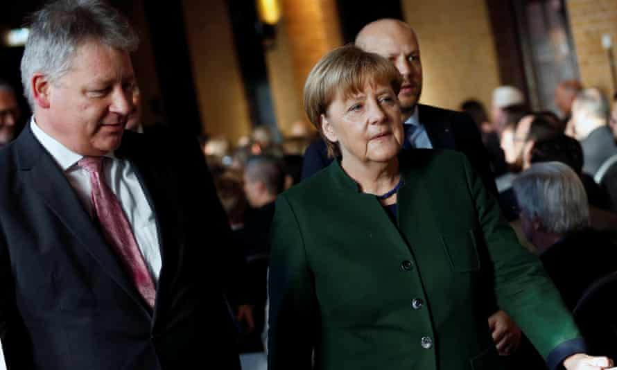 Bruno Kahl, president of the German Federal Intelligence Agency, and Chancellor Angela Merkel.