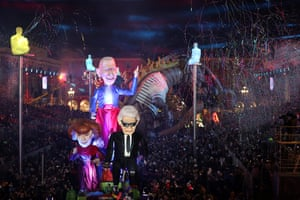 Nice, France: A float with giant effigies of the fashion designers Sonia Rykiel, Jean-Paul Gaultier and Karl Lagerfeld during a carnival parade