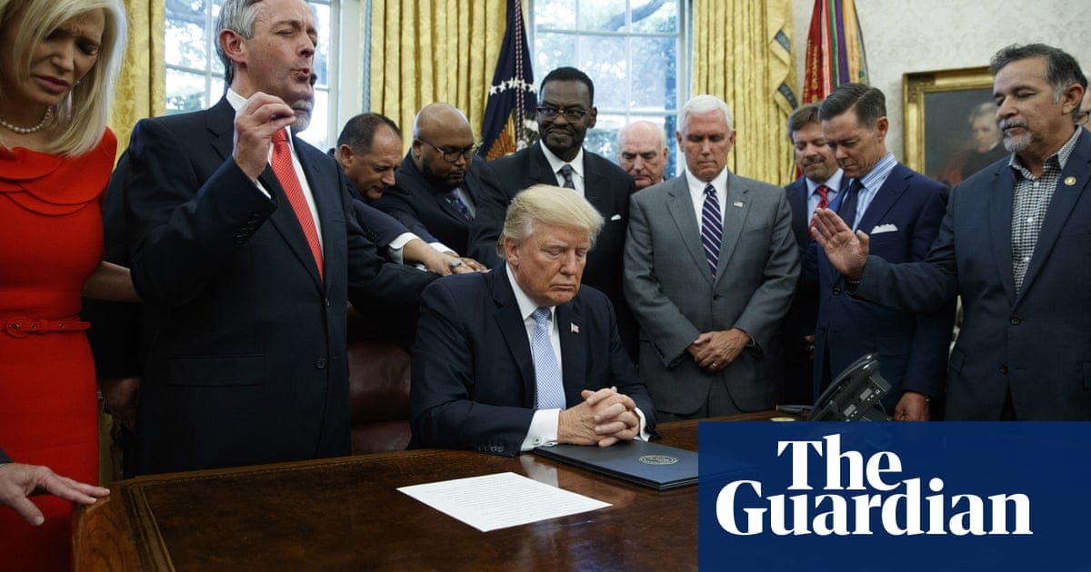 'Allergic reaction to US religious right' fueling decline of religion, experts say