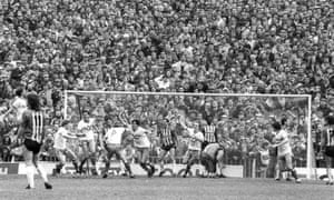 Tony Cascarino (centre) celebrates scoring Gillingham's third goal in the 1987 play-off at Roker Park that relegated Sunderland to the old Third Division for the first time
