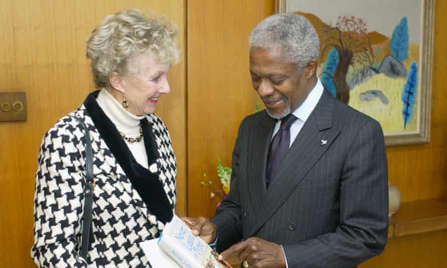Margaret Anstee shows her book Never Learn to Type (2003) to the United Nations secretary general, Kofi Annan.