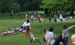People enjoy the good weather in Bois de Vincennes park on the eve of the gradual lifting of lockdown restrictions during the outbreak of the coronavirus disease in Paris, France, May 10, 2020. REUTERS/Charles Platiau
