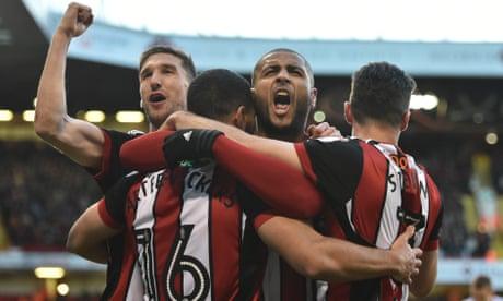 Sheffield United's Leon Clarke hits four to put pressure on Hull's Leonid Slutsky