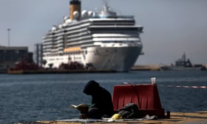 Athens wants to clear the Piraeus port of its makeshift refugee camp before Orthodox Easter on 1 May.