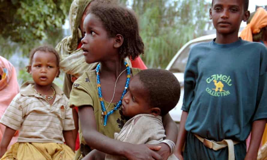 Ethiopian children at a food distribution centre