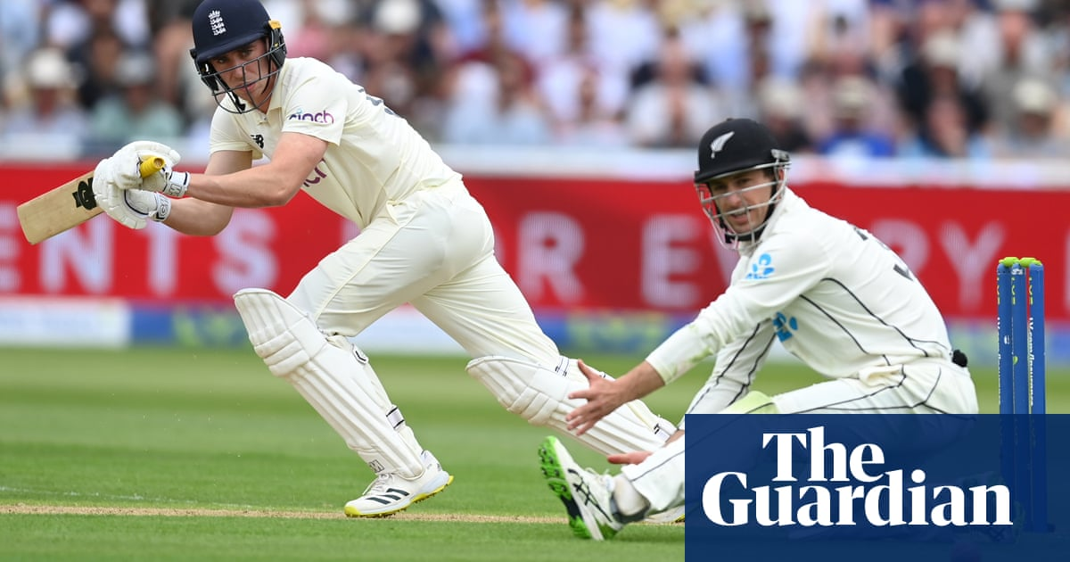 Dan Lawrence helps England rally against New Zealand in second Test