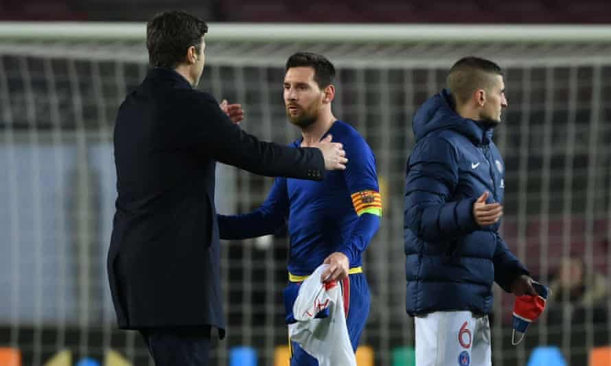 Mauricio Pochettino with Lionel Messi after PSG won at Barcelona