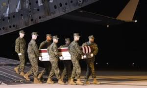 Briefing américain: Trudeau mis en quarantaine, les charniers en Iran et Chelsea Manning | US news
